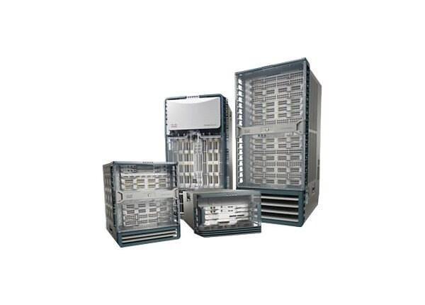 Cisco Nexus 7004 Bundle - switch - managed - rack-mountable - with Cisco Ne