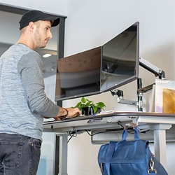 Ergotron WorkFit Electric Sit-Stand Desk - sit/standing desk